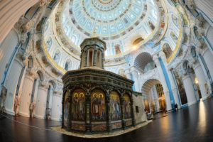Воскресенский храм внутри
