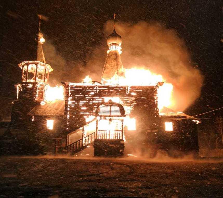 Сгорел храм Успения Подборки Озерское
